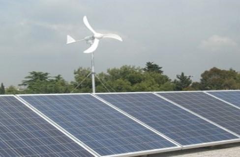 Rinnovabili: i tagli agli incentivi fermano il boom in tutta Europa