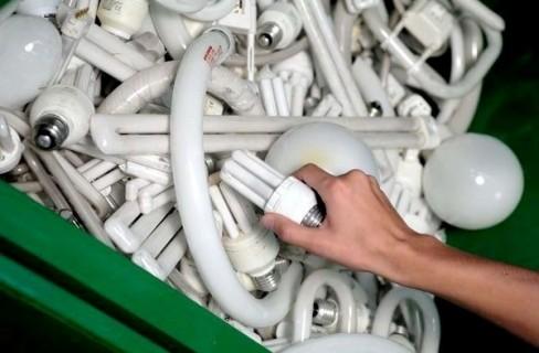 Come smaltire le lampade a basso consumo