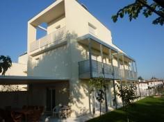 immagine in primo piano del progetto Edificio trifamiliare