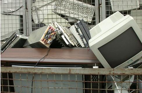 Raccolta Raee: la corretta gestione dei rifiuti elettrici