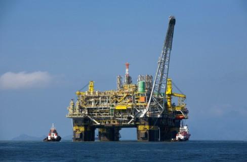 Cedere al petrolio
