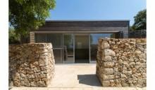 Casa Spinelli, equilibrio tra natura e architettura