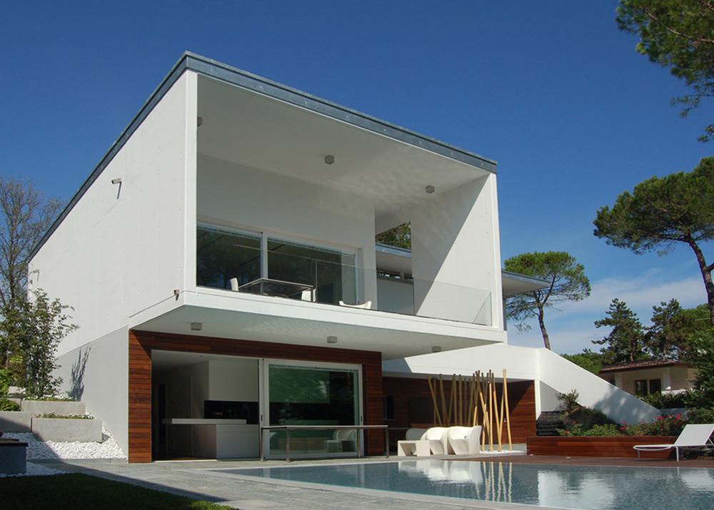 Immagine in primo piano del progetto villa meg for Piani del cortile con piscine
