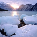 melting-ice-blocks-near-the-mountain-river-nature-wallpaper-3742 (1)